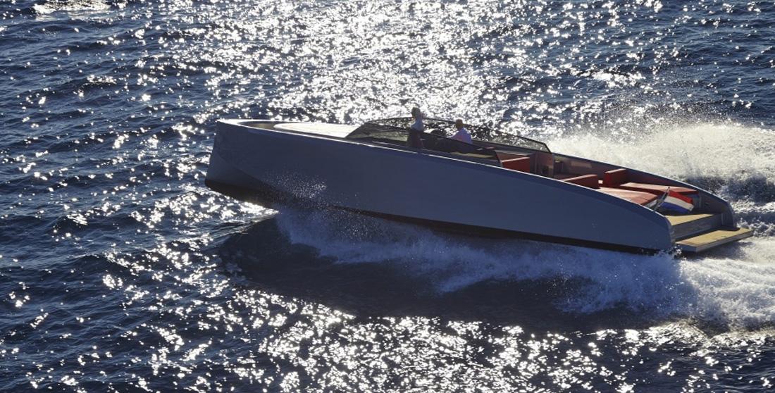 top-ten-ibiza-yacths-vanquish-v43-charter-01